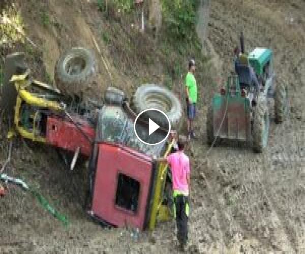 Tractor Crash | Traktoriáda Zděchov 2020 | Tractor Freestyle